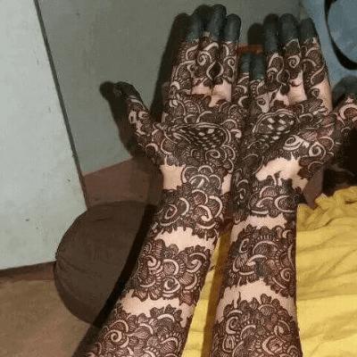 "12 Gorgeous Tattoo Mehndi Designs For ""The Bride"" & Bridesmaids 3"