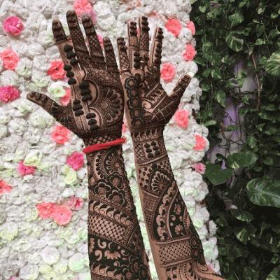"12 Gorgeous Tattoo Mehndi Designs For ""The Bride"" & Bridesmaids 5"