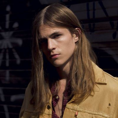 straight hairstyle for men