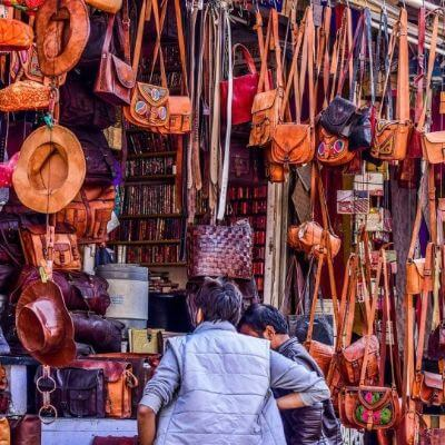 The Most Famous Jewellers Of Udaipur in Rajasthan- Jewellery Markets (Hathipole Market)