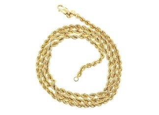 Best Gold Chains To Pair With Your Outfit