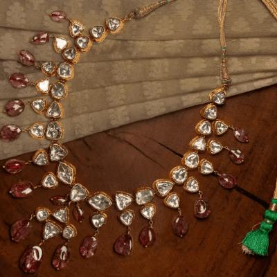 Top 15 Neck Jewellery Styles Tor The 2021 Bride 8